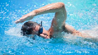 Exercise swimming front crawl
